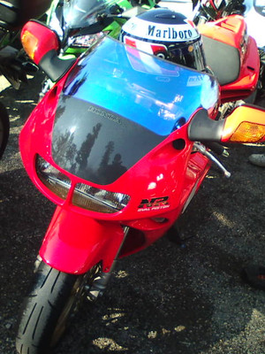 F1000082